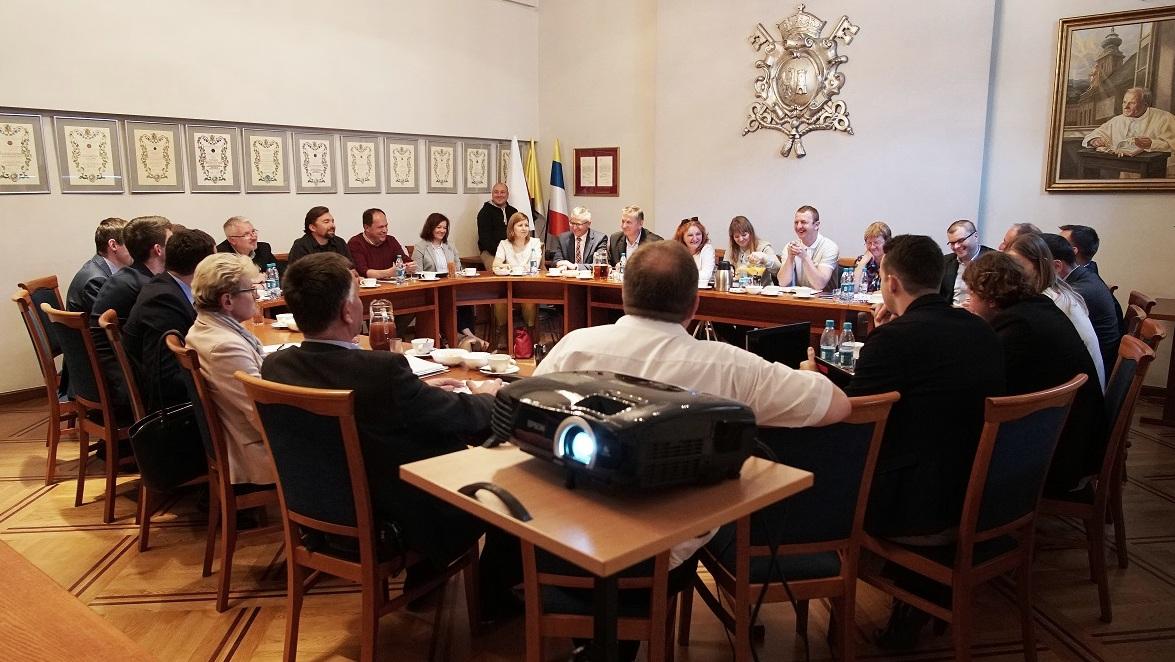 Spotkanie wójtów i burmistrzów gmin leżących przy linii 117